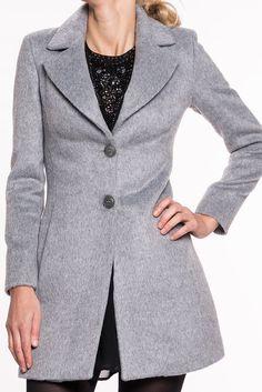 Turmor Mantel von KOCCA   eleganter Mante, perfekt für die Herbsttage  Kragen   V-Ausschnitt  Verschluss durch 2 Knöpfe  Einschubtaschen  ein perfektes Kleidungstück aus der KOCCA Kollektion  Material: 68%Ac