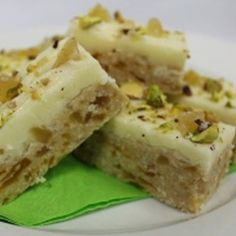 This mouth-watering chocolate and ginger combination is supplied by The Pie Society. Raw Food Recipes, Sweet Recipes, Baking Recipes, Dessert Recipes, Gf Recipes, Cookie Recipes, Biscuit Bar, Biscuit Recipe, Apricot Slice
