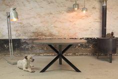 Bent u op zoek naar meubels op maat met karakter? In de omgeving van Breda, Tilburg en Antwerpen is Meubelmakerij | Houtkwadraat gevestigd.