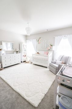 Girl Nursery Ideas - Bring your infant girl residence to a lovable and also functional nursery. Right here are some infant girl nursery layout ideas for every one of your decor, bedding, as well as furniture . Baby Nursery Decor, Nursery Neutral, Baby Decor, Nursery Room Ideas, Nursery Gray, Baby Nursery Furniture, Bedroom Furniture, Project Nursery, Nursery Paint Colors