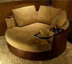 love a couch like this!