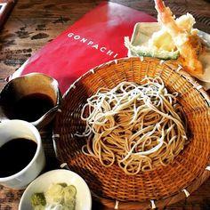 「 #일본 #japan #도쿄 #tokyo #오다이바 #아쿠아시티 #aquacity #맛집 #곤파치 #gonpachi #모밀 #여행 #travel #먹스타그램 #인스타푸드 #instafood  #레인보우브릿지 가 보이는 창가자리에서. 혼자 분위기있게 」