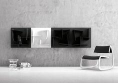 Czarno-biała półka na książki inspirowana chińskimi znakami