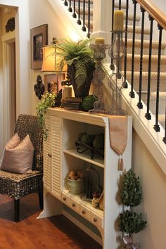 Love this cupboard top being used this way in entry!