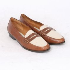 230499c2a33 Etienne Aigner Womens US 7 M Tan Brown Beige Leather Penny Loafers Flats AU  6.5 Vintage Shoes