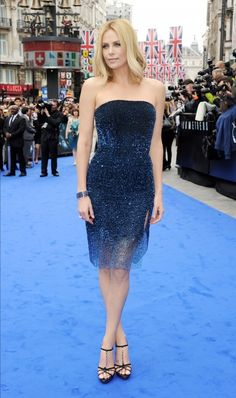 Charlize Theron at the 'Prometheus' premiere. Love her dress.