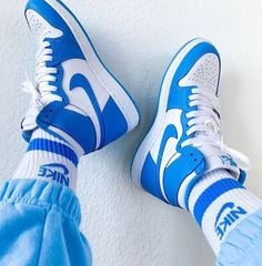 I bet everyone knows my favorite color by now . Dr Shoes, Cute Nike Shoes, Swag Shoes, Cute Sneakers, Nike Air Shoes, Hype Shoes, Shoes Sneakers, Jordan Sneakers, Retro Nike Shoes