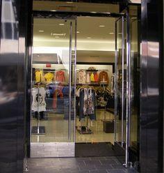 http://www.bestglass.com/uimages/commercial/Herculite_Doors.JPG