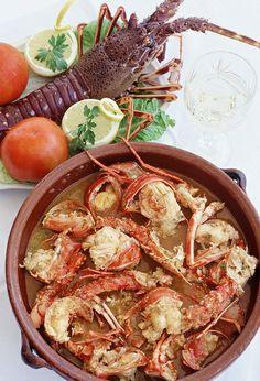 Caldereta de langosta.. Plato típico de #Menorca.. Comida de pescadores para aprovechar un 'manjar' del mar..