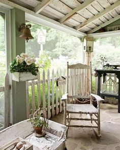 Glean ideas from classic cottages to create the lifestyle of your dreams. The Cottage Journal offers fresh decorating ideas and creative inspiration. Outdoor Spaces, Outdoor Living, Outdoor Decor, Outdoor Ideas, Porch Veranda, Summer Porch, Decks And Porches, Front Porches, Country Style