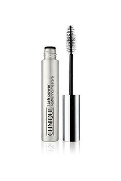 Refinery29 fasst die besten Beautyprodukte für sehr blasse Haut zusammen.