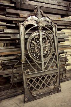 #WroughtIron #Iron #DrivewayGates #Metal #EstateGates #Drive #Garden #Bespoke #Custom #Designer #Modern #Vintage #Contemporary #Entrance #Sliding #Architecture #Privacy #Entry #Victorian #Outdoor #Traditional #Gates #Art #Unique #Design #Flower #IronWork