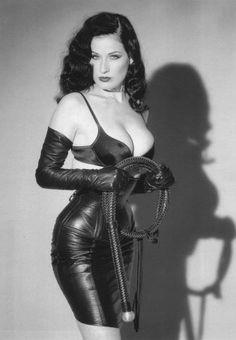 Dita Von Teese ❤ So sexy, as always
