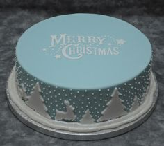 Merry Christmas cake - It's all about the cakes - Kuchen Bilder Christmas Cake Designs, Christmas Cake Decorations, Christmas Cupcakes, Christmas Sweets, Holiday Cakes, Christmas Cooking, Christmas Goodies, Merry Christmas, Winter Christmas