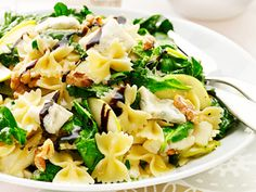 Pastasallad med gorgonzola (kock Christian Campogiani) Pasta Salad, Ethnic Recipes, Food, Christian, Crab Pasta Salad, Essen, Meals, Yemek, Christians