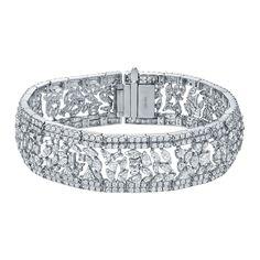 Auriya 18k Gold 20 1/5ct TDW Round and Fancy-Shape Diamond Fashion Bracelet