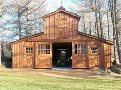 1000 ideas about small horse barns on pinterest horse for Small monitor barn