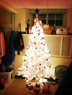 2013  Christmas Dorm decoration,  Dorm Christmas tree lights decor, Christmas tree decor for students