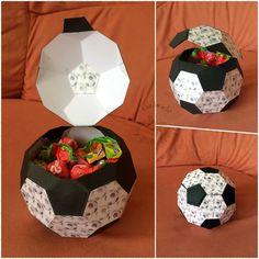 Dieser Fußball ist als Auftragsarbeit entstanden. Gerade jetzt zur EM eine tolle Geschenkidee!