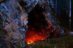 Romania Megalitica: Portaluri spre alte dimensiuni. Diavolul este inchis in Calcarele de la Ampoiţa, jud. Alba. Stâncile sunt blestemate!