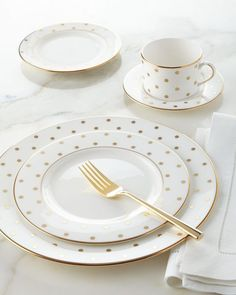 Larabee Road Gold-Dot Dinnerware Place Setting by kate spade new york at Horchow. Vase Deco, Gold Dots, Dish Sets, Dinner Sets, Dinnerware Sets, Dinner Plates, Dinner Ware, Place Settings, Kitchen Dining