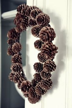 pine cone wreath: Add peanut butter and seeds for the birdies??