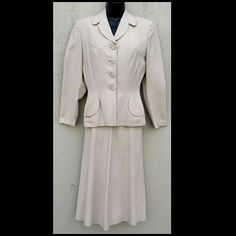 1940s Women's Ecru Tailored Suit Palm Beach Classic from toinetterl on Ruby Lane