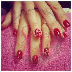 Gel com Nail Art #cereja#glitter#rosinhas SECRET, o seu segredo de bem estar!