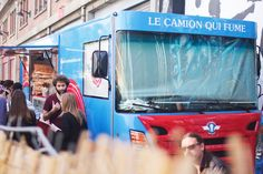Burger in Paris | Le Camion Qui FumeRestaurants in Paris, Paris Eating Guide, Essen in Paris, Eating in Paris, Paris Food