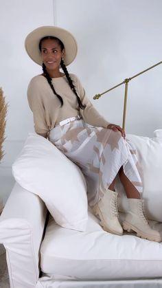 Chiffon midi skirt Pleated Elasticated waistband Lined Abstract print Skirt Pleated, Midi Skirt, Boutique Stores, Abstract Print, Size 12, Chiffon, Beige, Fitness, Skirts