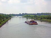 Schifffahrt-Romantik am Dortmund-Ems-Kanal.