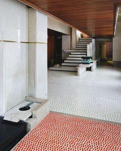 shaoyi-l: Olivetti Showroom 1959 Carlo Scarpa Venice, Italy Carlo Scarpa, Architecture Details, Interior Architecture, Interior And Exterior, Terrazo, Interior Decorating, Interior Design, Interior Inspiration, Daily Inspiration