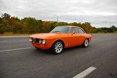Alfa-Romeo GTV | An Alfa-Romeo on the highway. | Matthew Britton | Flickr