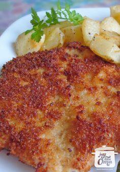 German Schnitzel recipe including a Jägerschnitzel Sauce. Check out www. A quick and easy meal. Share it! Pin it! Enjoy it! quick and easy meals German Schnitzel, Veal Schnitzel, Wiener Schnitzel, Pork Schnitzel Sauce, Pork Recipes, Cooking Recipes, Recipies, Pork Shnitzel Recipe, Gastronomia