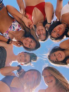 just livin life Foto Best Friend, Best Friend Fotos, Cute Friend Pictures, Cute Photos, Bff Pics, Friend Pics, Summer Pictures, Beach Pictures, Shotting Photo