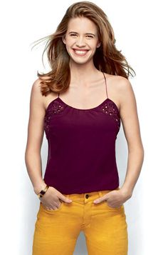 Kalki Koechlin http://hammingbirds.com/blog/classifier/actress/kalki-koechlin/