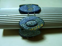 Hidden Clasp  - Something to explore in detail- picture tute, translate if you need to. ~ Polymer Clay Tutorials