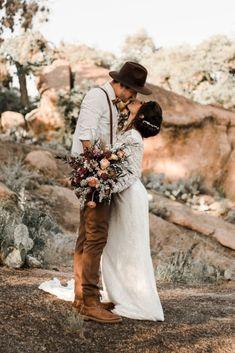 Barn Wedding Photos, Funny Wedding Photos, Vintage Wedding Photos, Vintage Weddings, Wedding Ideas, Elope Wedding, Boho Wedding, Elopement Wedding, Wedding Shot