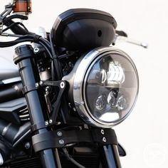 Evo S Graphite - Brushed Triumph Triple, Triumph Street Triple, Custom Moto, Halogen Headlights, Lighting Manufacturers, Light Beam, Evo, Night Time, Graphite