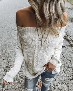 cozy off shoulder sweater, featuring a relaxed fit and Irish fleck details. we love the subtle wanderlust feel of this top! pair it with your favorite distressed skinnies (or leggings!) for that perfect casual chic Fall style. Classy Outfits, Stylish Outfits, Beautiful Outfits, Fashion Outfits, Casual Hipster Outfits, Rock Outfits, Punk Fashion, Fashion Styles, Casual Wear