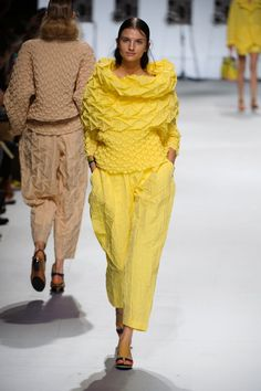 Défilé Issey Miyake ss2015 Contre exemple