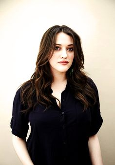 There's Ellie in her everyday life. A lot of tomboy happening. Beautiful Celebrities, Beautiful Actresses, Beautiful Women, Two Broke Girl, Max Black, Elizabeth Gillies, Christina Hendricks, Hollywood Actresses, Lady