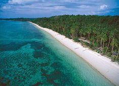 Pasir Panjang (Long Sand) Beach Located in Kei Island, one of the island in Maluku, Indonesia Beautiful Islands, Beautiful Beaches, Places To Travel, Places To See, Redang Island, Maluku Islands, Paradise Island, White Sand Beach, Scenery