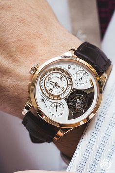 Get first copy of branded watches online on Amazing Baba. Here you can buy replica luxury watches online, Replica Watches aaa quality & First Copy Watches at less prices. Dream Watches, Fine Watches, Cool Watches, Men's Watches, Unique Watches, Elegant Watches, Beautiful Watches, Jaeger Lecoultre Watches, Rolex