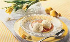 Griess-Mousse mit Rhabarbersauce - Rezepte - Schweizer Milch Camembert Cheese, Mousse, Food, Vanilla, Lemon, Swiss Guard, Milk, Dessert Ideas, Simple