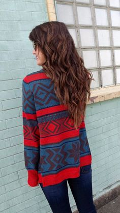 Seriously, somebody tell me where to find a sweater like this in stores and I will love you forever