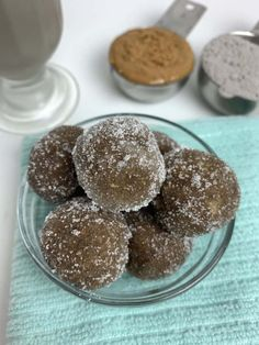 Peanut Butter Truffles, Peanut Butter Protein, Natural Peanut Butter, Peanut Butter Banana, Low Carb Desserts, Low Carb Recipes, Trim Healthy Mama Diet, Cookies And Cream, Oreo