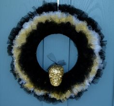 Gold Skull Wreath