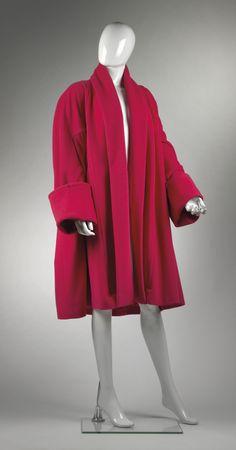 Chanel Auktion Lot 43: Chanel Wintermantel, pinkfarbener Oberstoff, Größe ca. 38, Lange ca. 102 cm. Mehr Information auf der Website