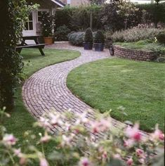 Every beautiful cottage garden has common principles that make them a success. Learn about the fundamentals you need to create your very own cottage garden. Garden Arbor, Garden Paths, Garden Landscaping, Back Gardens, Outdoor Gardens, Amazing Gardens, Beautiful Gardens, Backyard Ideas For Small Yards, Professional Landscaping